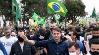Le président brésilien continue sa critique du confinement