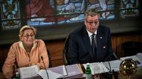 Patrick et Isabelle Balkany lors d'un conseil municipal à Levallois-Perret, le 15 avril 2019 [STEPHANE DE SAKUTIN / AFP/Archives]