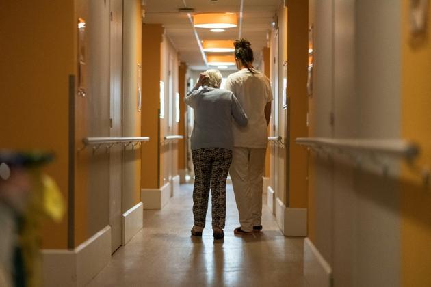 Six milliards d'euros, à partager entre hôpitaux et Ehpad publics, mais aussi pour partie avec le secteur privé [SEBASTIEN BOZON / AFP/Archives]