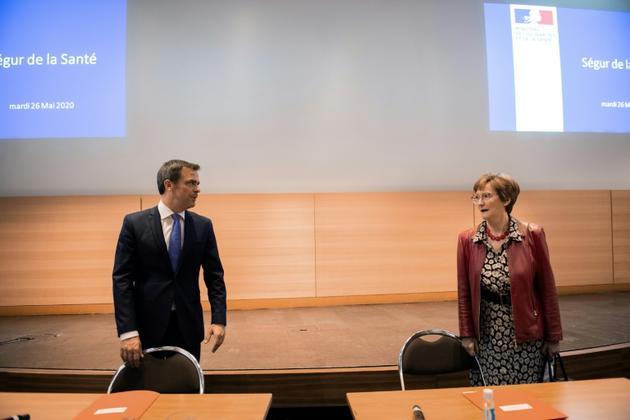 Olivier Véran et Nicole Notat, le 26 mai au ministère de la Santé lors du