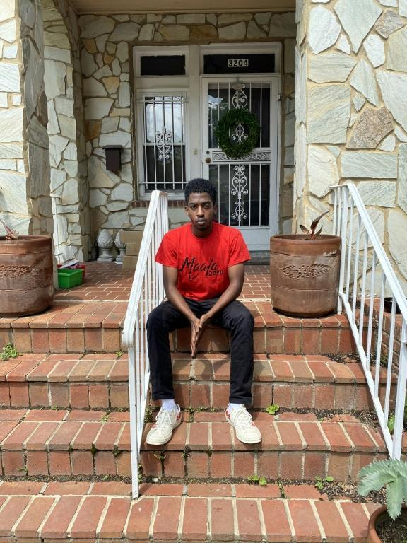Moah Pollas, 21 ans, étudiant à Howard University, devant sa maison à Washington, le 05 juin 2020 [Daxia ROJAS / AFP]