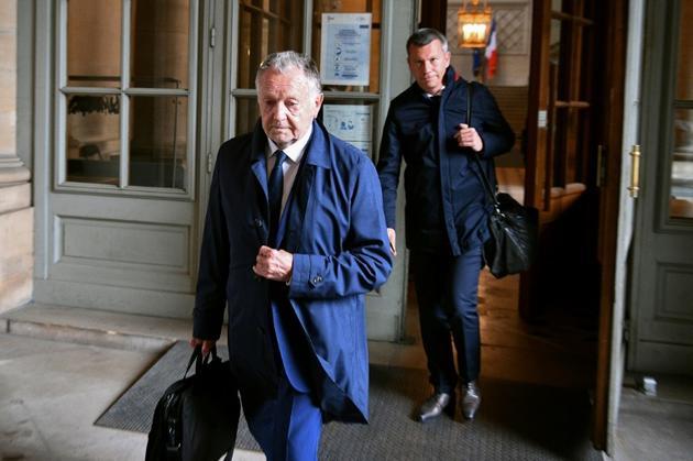 Le président lyonnais Jean-Michel Aulas au sortir du Conseil d'Etat où se tenait le procès contre la LFP, le 4 juin 2020 [FRANCK FIFE / AFP/Archives]