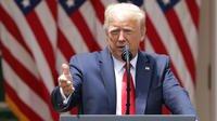 Donald Trump a signé mardi un décret ordonnant une réforme limitée des forces de l'ordre.