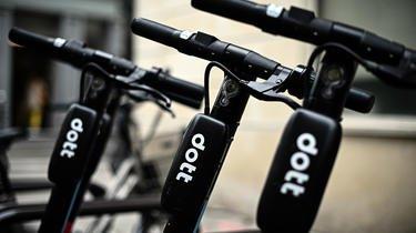 Près de la moitié des usagers des trottinettes Dott à Paris les utilisent moins de 1 à 3 fois par mois.