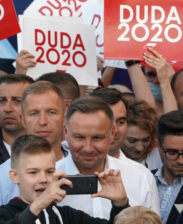 Le président sortant polonais Andrzej Duda au cours d'un meeting de campagne le 7 juillet 2020 à Lomza, dans le centre de la Pologne [JANEK SKARZYNSKI / AFP]