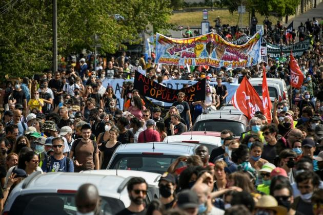 Marche organisée en mémoire d'Adama Troaré à Beaumont-sur-Oise, le 18 juillet 2020 [Bertrand GUAY / AFP]