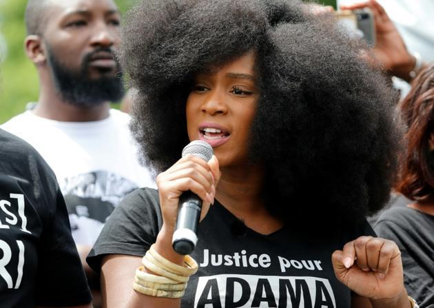Assa Traoré, la sœur d'Adama Traoré, lors d'un rassemblement contre le racisme et les violences policières, place de la République à Paris le 13 juin 2020 [Thomas SAMSON / AFP/Archives]
