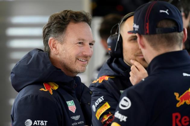 Le directeur de l'écurie de F1 Red Bull, Christian Horner (g), sur le circuit de Catalogne, à Montmelo, le 27 février 2020 [Josep LAGO / AFP/Archives]