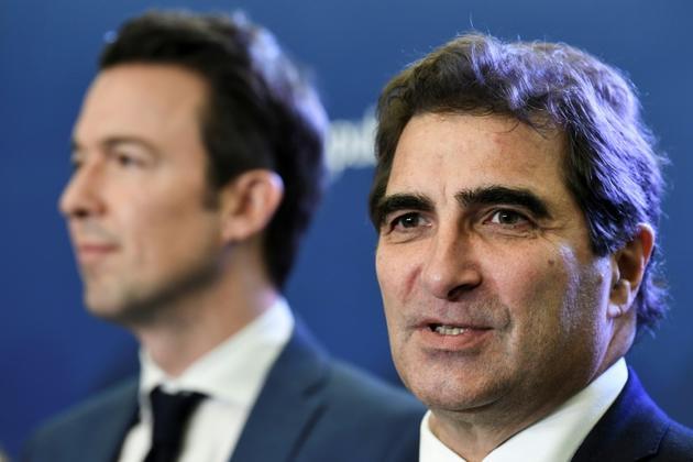 Christian Jacob (d) et Guillaume Peltier à Paris le 21 janvier 2020 [ALAIN JOCARD / AFP/Archives]