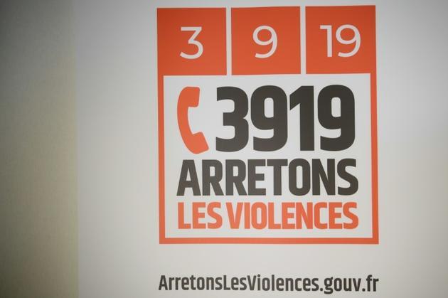 Le logo du numéro d'urgence contre les violences conjugales, le 3919 [Eric FEFERBERG / AFP/Archives]