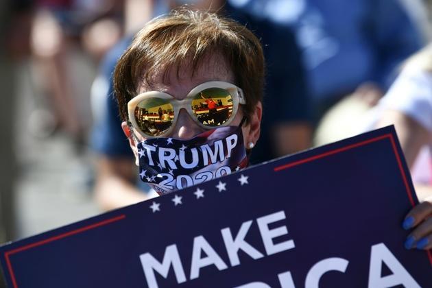 Des partisans de Donald Trump l'attendent le 20 août 2020 à Old Forge, en Pennsylvanie [Brendan Smialowski / AFP]