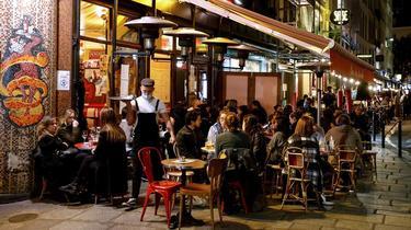 Contraints de fermer, les bars et restaurants sont particulièrement touchés par le reconfinement.