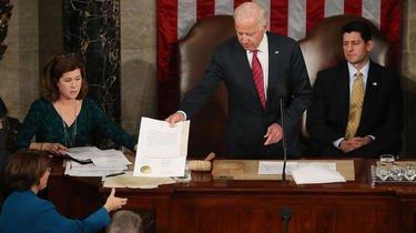 En 2017, Joe Biden présidait le décompte des voix du collège électoral qui a confirmé l'élection de Donald Trump
