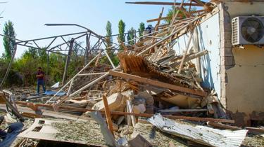 Une maison détruite par des bombardements, le 9 octobre 2020 à Qarabag, au Nagorny-Karabakh [TOFIK BABAYEV / AFP]