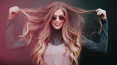 Quelles sont les meilleures astuces pour faire pousser ses cheveux plus vite ?