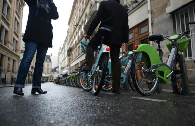 Avec le début du confinement Vélib a enregistré 25% de trafic en moins à Paris par rapport à fin octobre [GUILLAUME SOUVANT / AFP]
