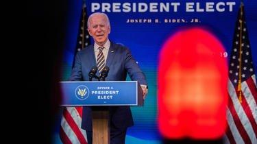 Joe Biden pourrait sortir renforcé ou affaibli à l'issue du mois de janvier