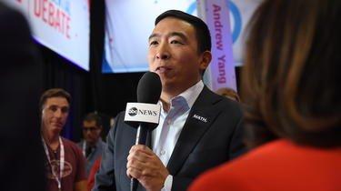 Pas officiellement candidat, Andrew Yang est en tête dans les sondages