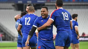 Virimi Vakatawa et les Bleus doivent s'imposer avec le point de bonus offensif et 21 points d'écart contre l'Ecosse pour être couronnés.