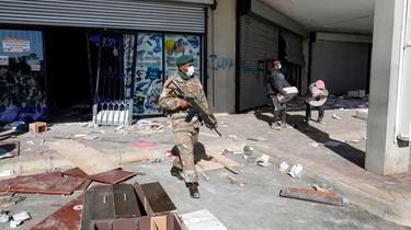 Les émeutiers ne semblaient marquer aucune pause mardi, malgré les premiers déploiements de soldats.
